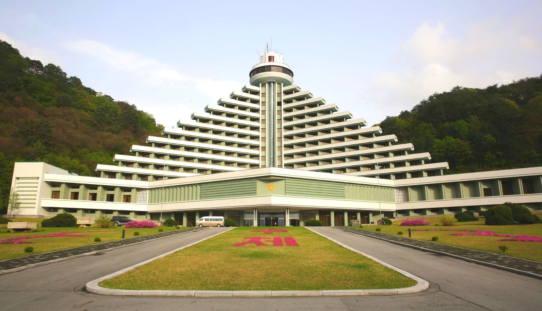 One of the most luxurious hotels in North Korea; The Hyangsan Hotel in Mount Myoyhyang, Pyongan province. Discover the DPRK with KTG Tours