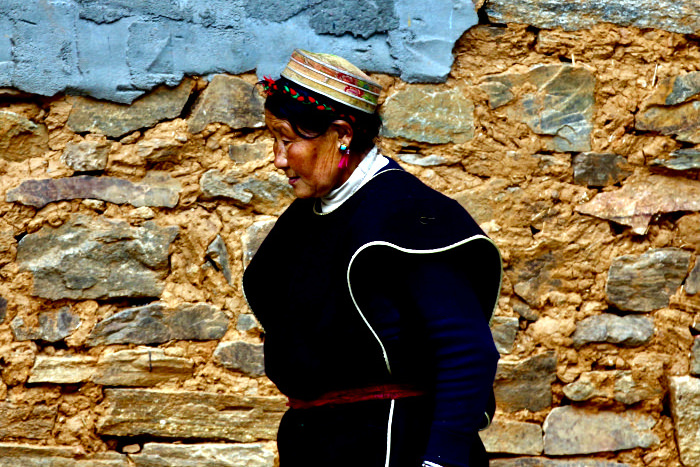 Tibetan lady in Nyinghci, eastern Tibet, China