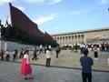 Rindiendo homenaje a Kim Il Sung