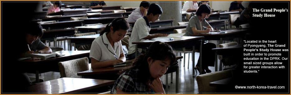 Nordkoreanische Studenten in die Große Studienhalle des Volkes