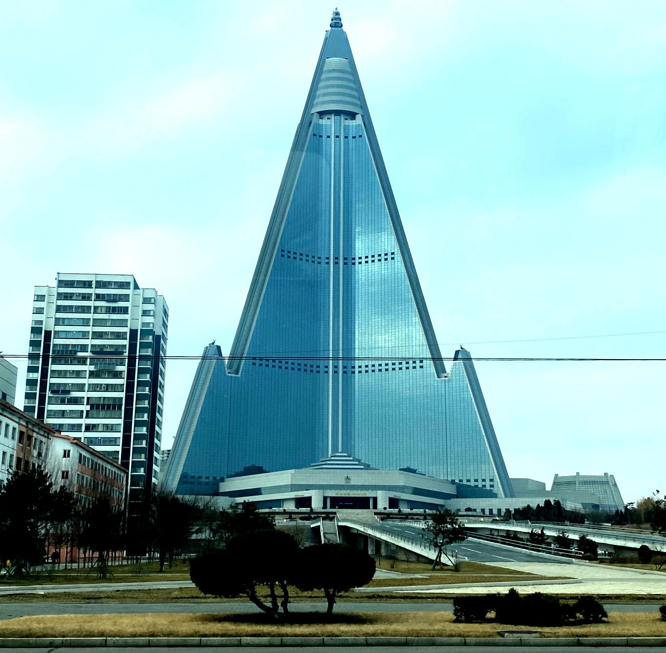 Image de l'hôtel Ryugyong en 2020. Voyage organisé par KTG Tours