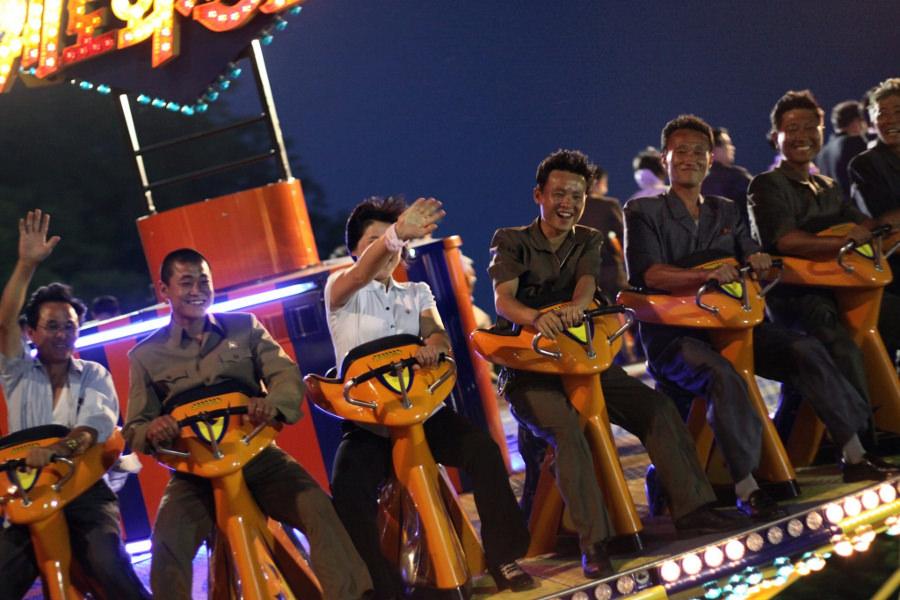 Kaeson Wieczorny funfair w Pyongyang w Korei Północnej