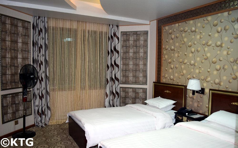 habitación de primera clase en el Hotel Chongnyon (hotel de la Juventud) de Pyongyang, Corea del Norte (RPDC)
