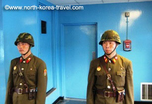 soldados en la DMZ en Corea del Norte