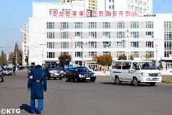 Coches en Corea del Norte. Viaje a la RPDC con KTG Tours