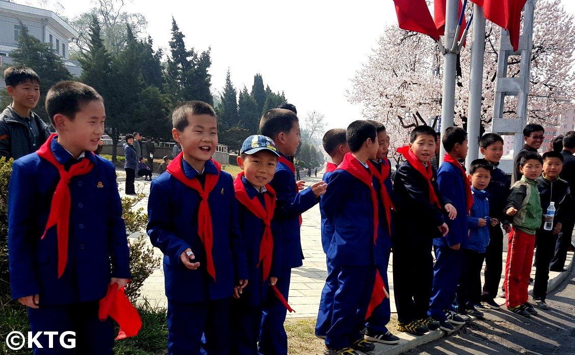 barn i Pyongyang