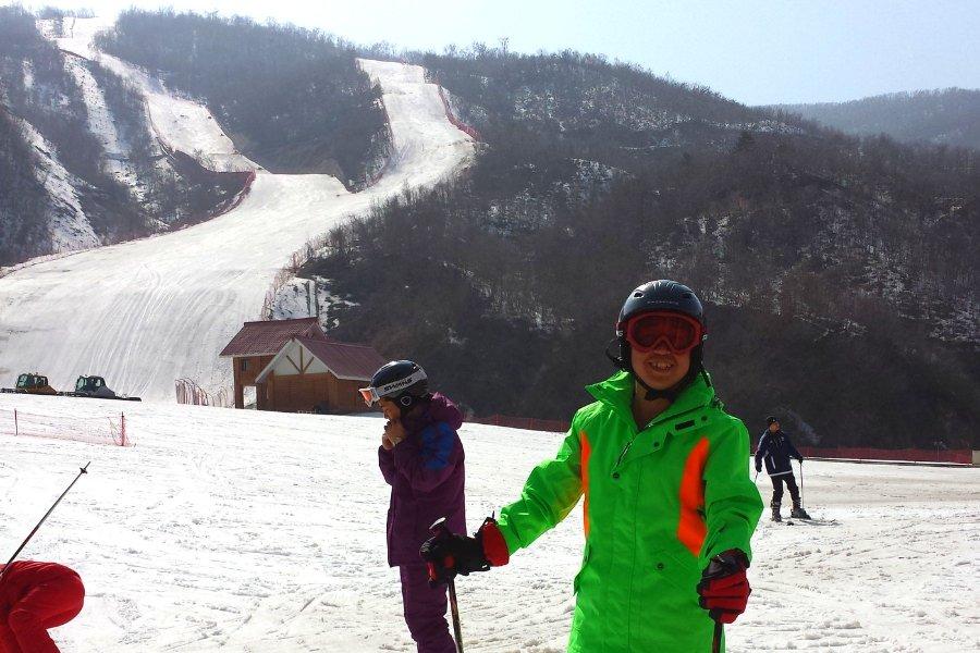 Guide nord-coréen à la station de ski de Masikryong en Corée du Nord, avec KTG® Tours