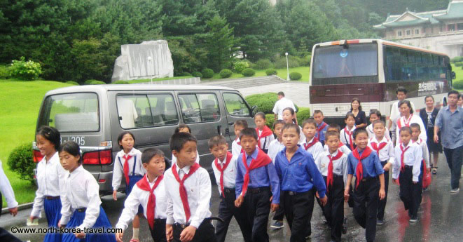 niños en Corea del Norte