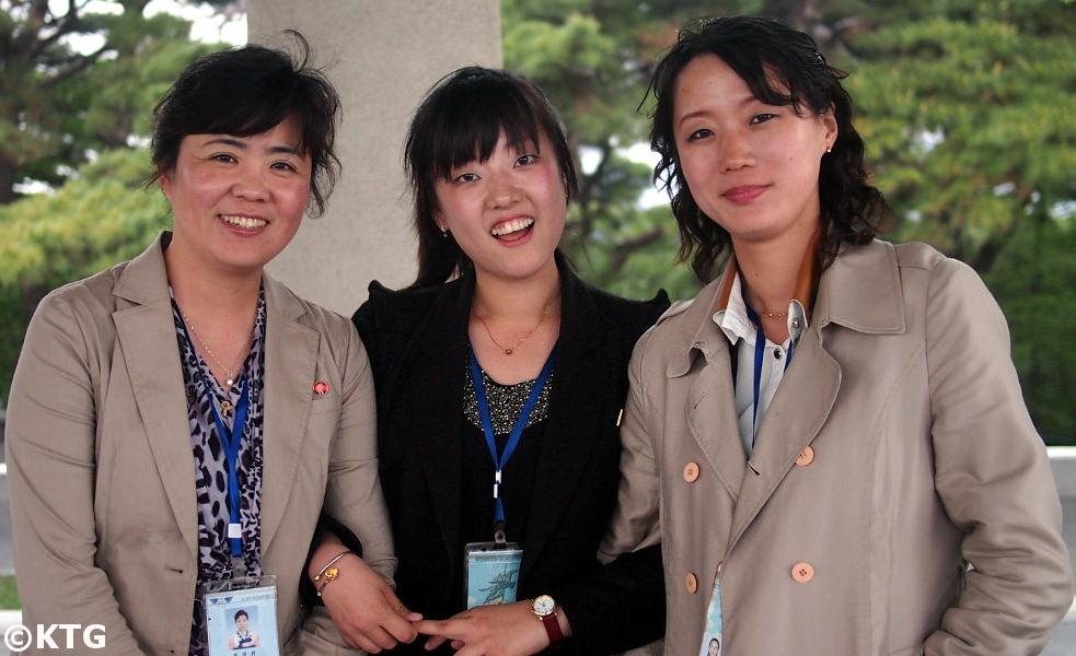 Guías norcoreanos con quienes lideraron un grupo KTG Tours
