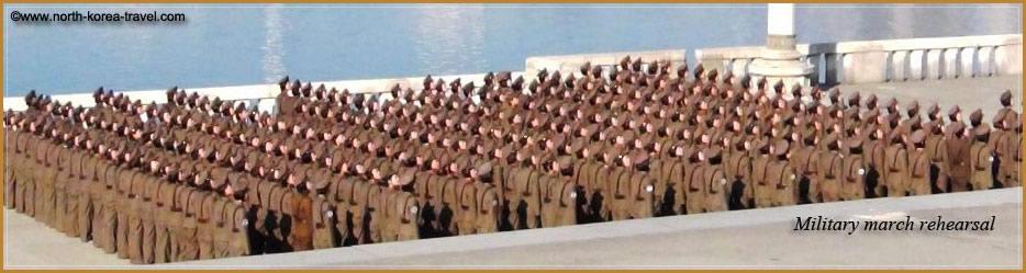 North Korean femail soldiers