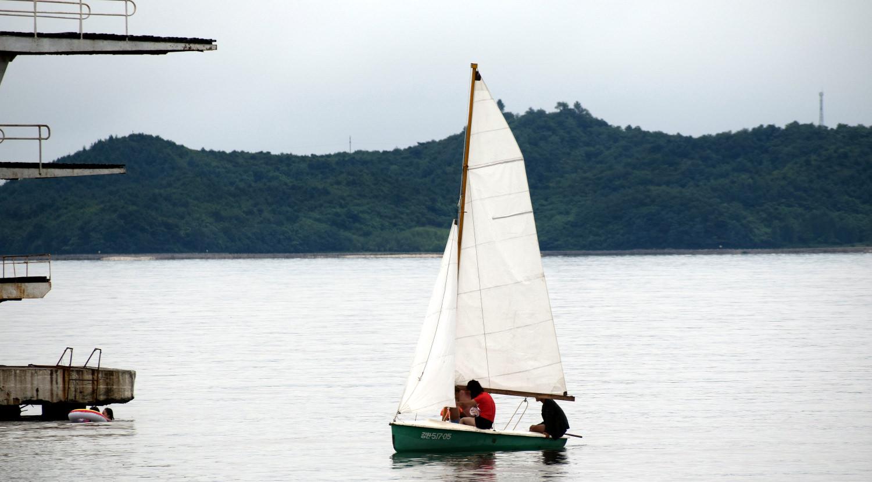 North Koreans sailing in Songdowon Beach, Wonsan (DPRK)