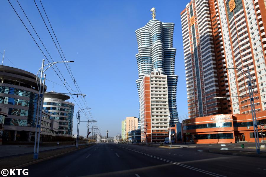 Unha Torre de la Galaxia en la calle Mirae Future Scientists en Pyongyang, capital de Corea del Norte, RPDC. Viaje organizado por KTG Tours.