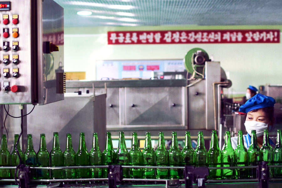 Water bottling factory in North Korea. Discover the DPRK with KTG