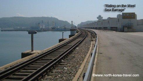 Das Fahren auf der Westmeerschleusen in Nampo, Nordkorea (DVRK)